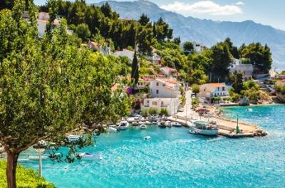 Где отдохнуть на море в июне - список вариантов